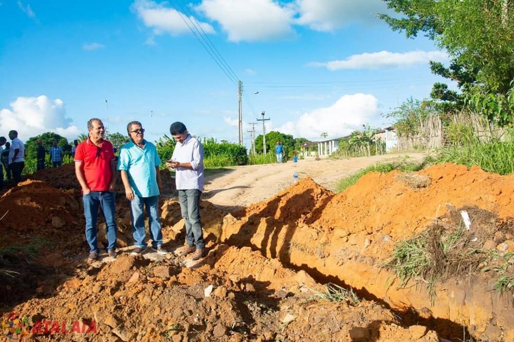 Em Ouricuri, prefeito visita obras e participa de reunião para discutir melhorias na região