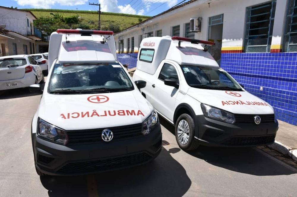 Duas novas ambulâncias para o município de Atalaia.