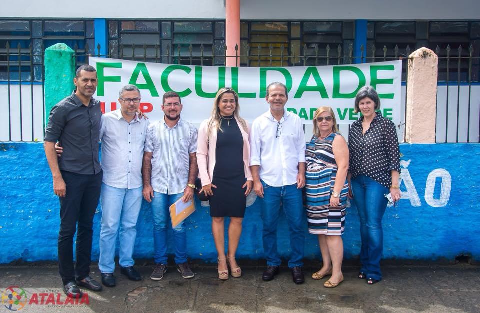 Prefeito Chico Vigário participa da inauguração de Faculdade em Atalaia