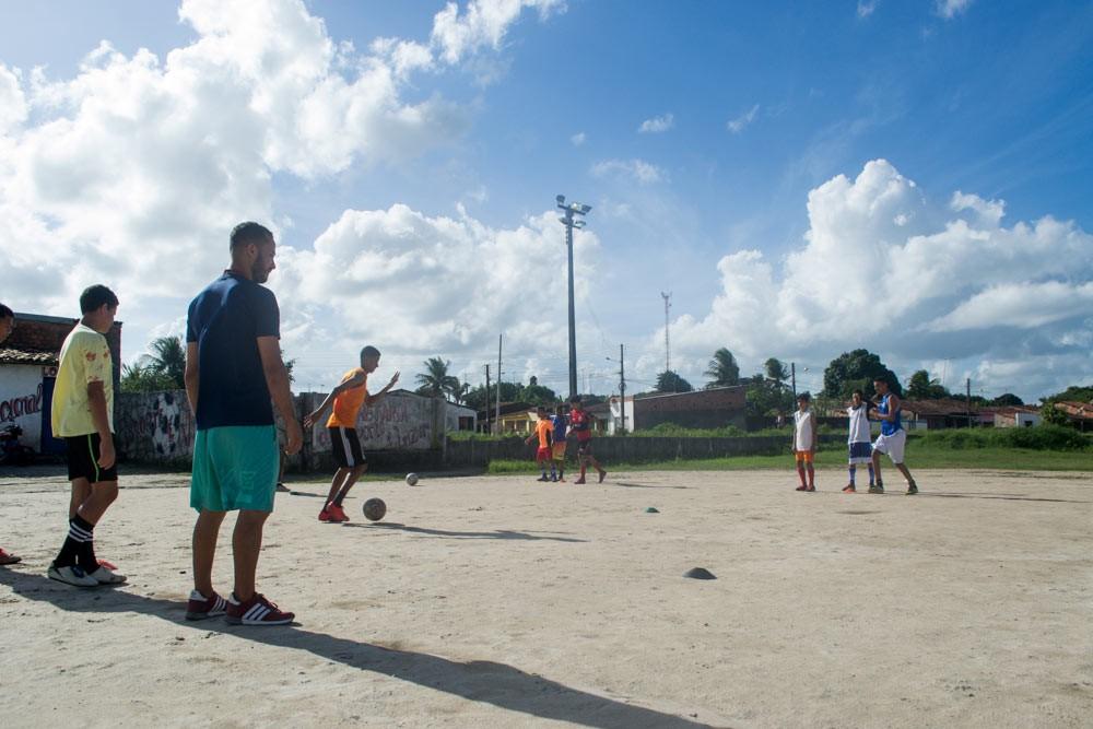 Vereador Quinho destaca projeto que vem dando oportunidade a atalaienses em times de futebol profissional