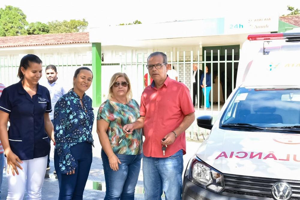 Chico Vigário entrega duas novas ambulâncias e reforça serviços na Saúde de Atalaia