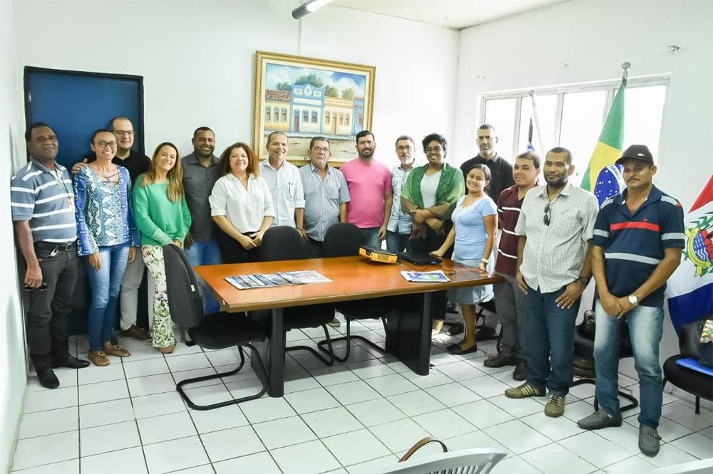 Prefeito Chico Vigário recebe em seu gabinete a Assessoria Técnica do Iteral.