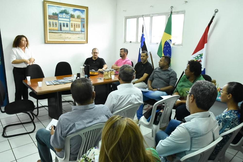 Prefeito se reúne com a Assessoria Técnica do Iteral sobre a I Feira da Agricultura Familiar de Atalaia