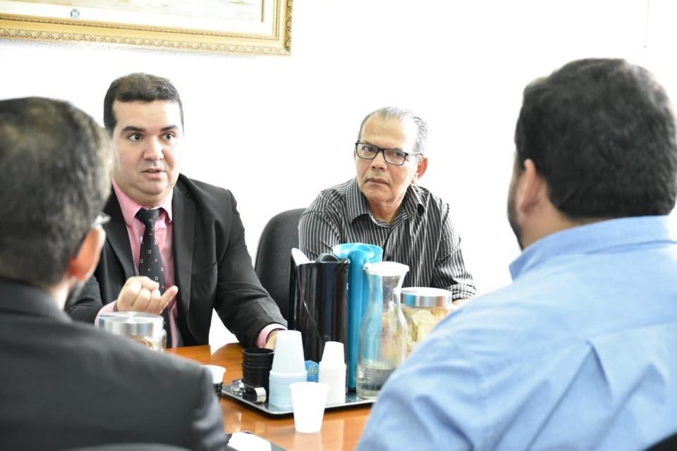 Precatório do FUNDEF: Prefeito afirma que aguarda decisão da Justiça Federal para fazer o rateio de 60% da verba com todos os servidores da Educação de Atalaia