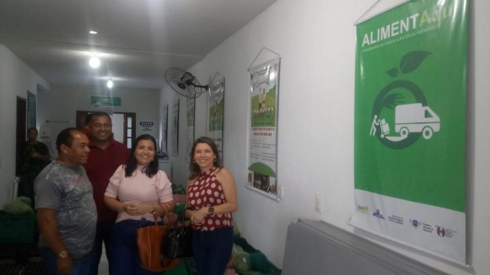 Em visita a Messias, equipe técnica de Atalaia conhece a prática local de recebimento e distribuição de alimentos da Agricultura Familiar