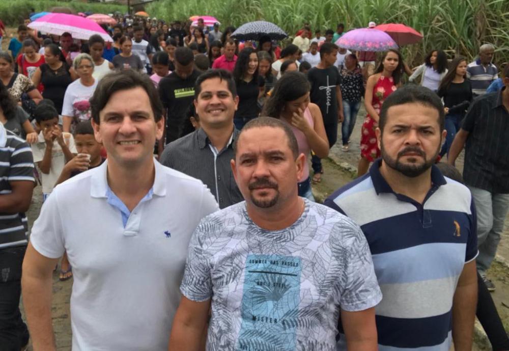 Ao lado do vereador Quinho e amigos, Marcelo Beltrão participa da Romaria em homenagem a Padre Cicero.