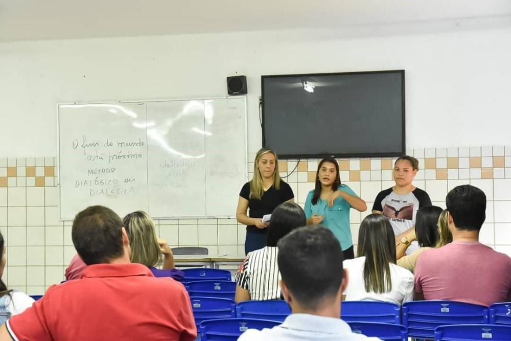 Pré-candidatos ao Conselho Tutelar de Atalaia participam de curso de capacitação