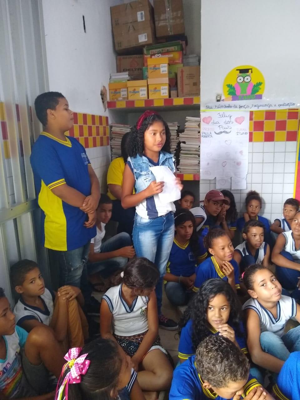 Escola Municipal Cícero Cabral Toledo homenageia o poeta Cícero Toledo Neto