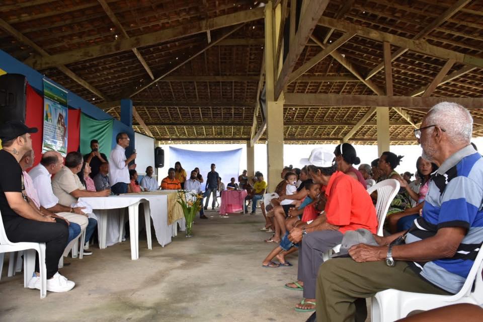 Prefeito Chico Vigário destaca importância do projeto para a comunidade. Foto: Alberto Vicente