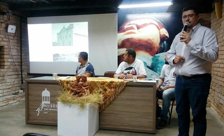 Diretor de Ensino Charles Fernandes apresenta projeto da Semed Atalaia.