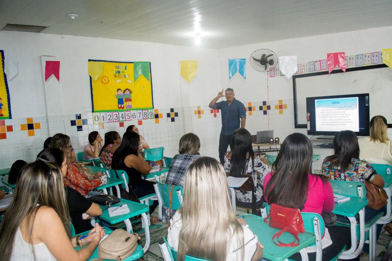 Semed Atalaia: Profissionais da Educação participam da I Jornada Pedagógica de 2018