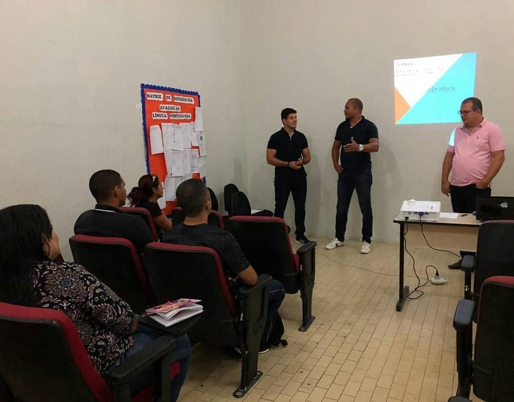 Semed Atalaia promove reunião para expor e organizar projetos voltados para a prática esportiva nas escolas