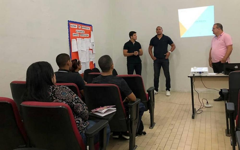 Secretário de Esportes Aloísio e o secretário de Educação Anilson Júnior, acompanharam a reunião.