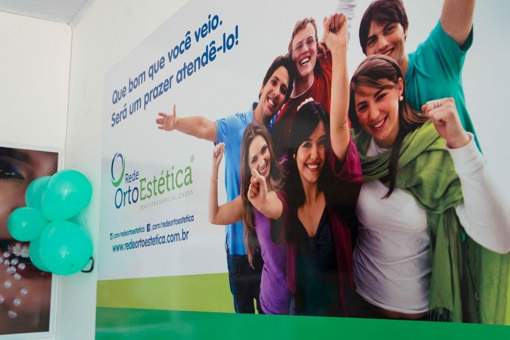 Referência em Odontologia, Rede OrtoEstética comemora um ano de sucesso em Atalaia