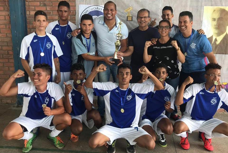 Prefeito Chico Vigário e secretário Aloisio Chulapa acompanhaaram a competição.