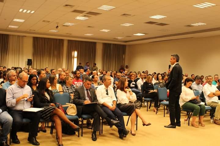 Prefeito Chico Vigário participa do Seminário Alagoas Mais Simples.