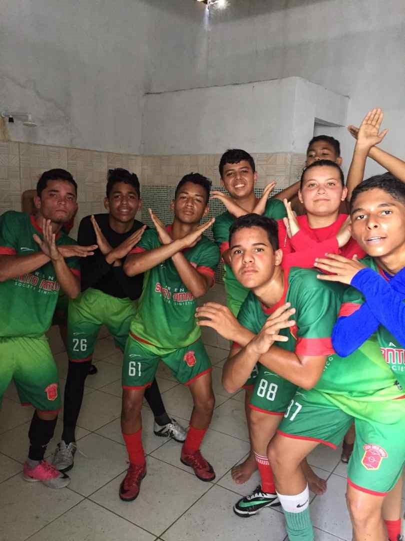 Escolinha de Futebol Arena Santo Amaro realiza amistosos contra a Escolinha Arena Mundo da Bola