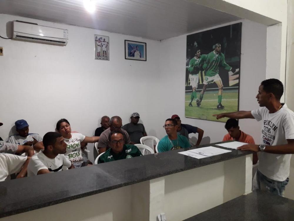 Reunião na Secretaria Municipal de Esportes define os grupos da Primeira Divisão.