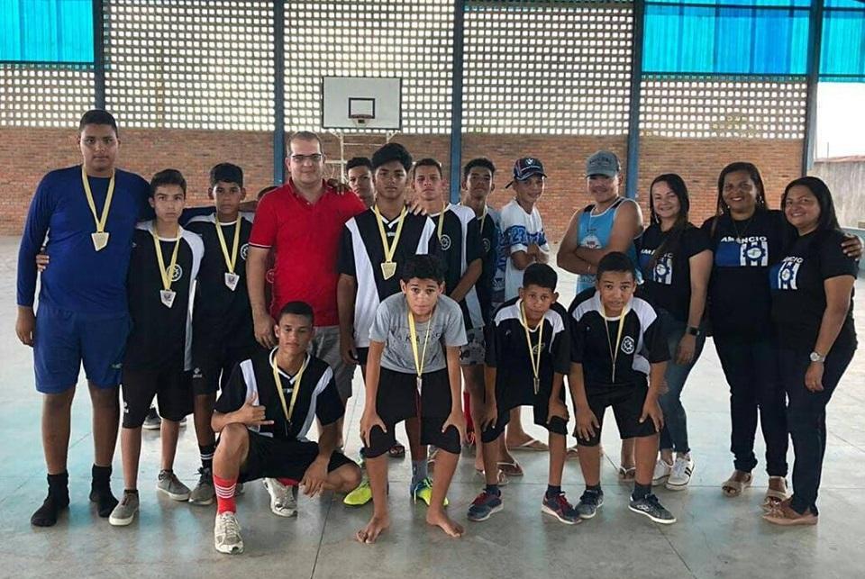 Competição foi realizada na quadra de esportes da Escola Suzana Craveiro Costa de Medeiros.