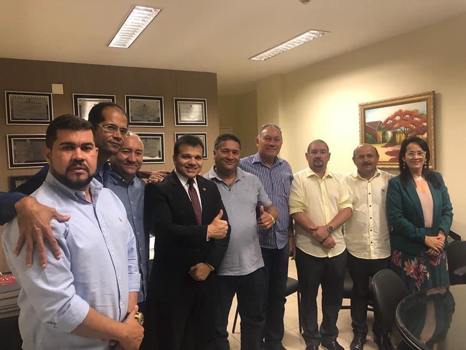 Em visita a Assembleia Legislativa, vereadores buscam melhorias para Atalaia