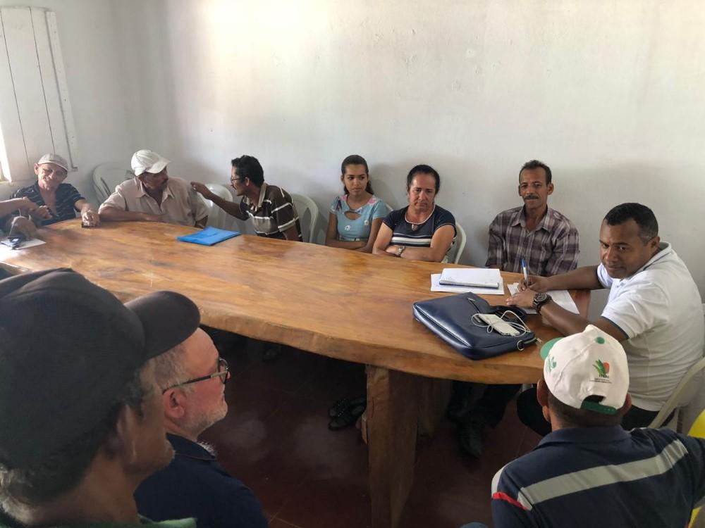 Secretário Municipal de Agricultura se reúne com agricultores para discutir informações sobre o PAA