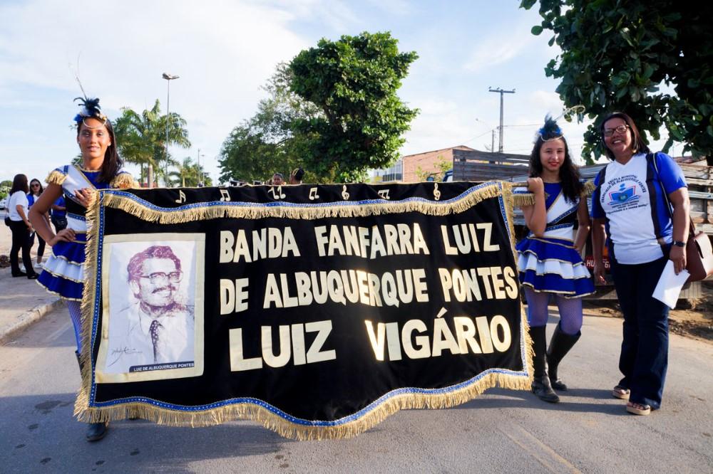 Desfile Cívico Escolar reforça o papel da escola em formar cidadãos que amem e respeitem o seu município