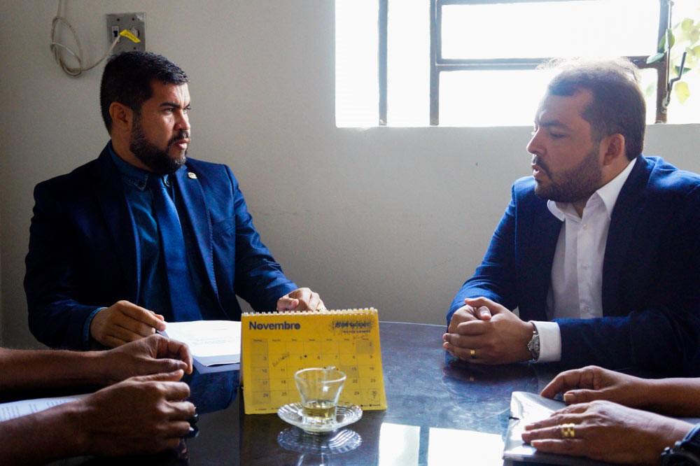 Marcos Rebollo se reúne com Jurídico da Câmara de Atalaia em busca de apoio para a Guarda Municipal