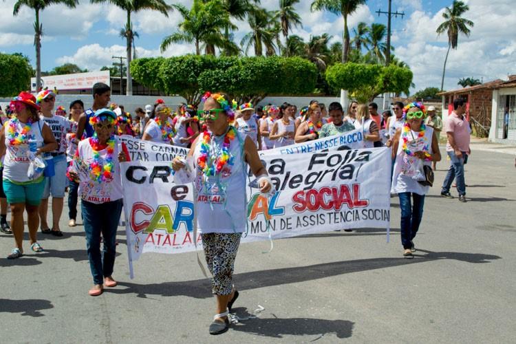 Assistência Social de Atalaia realiza animado Carnaval Social pelas ruas da cidade