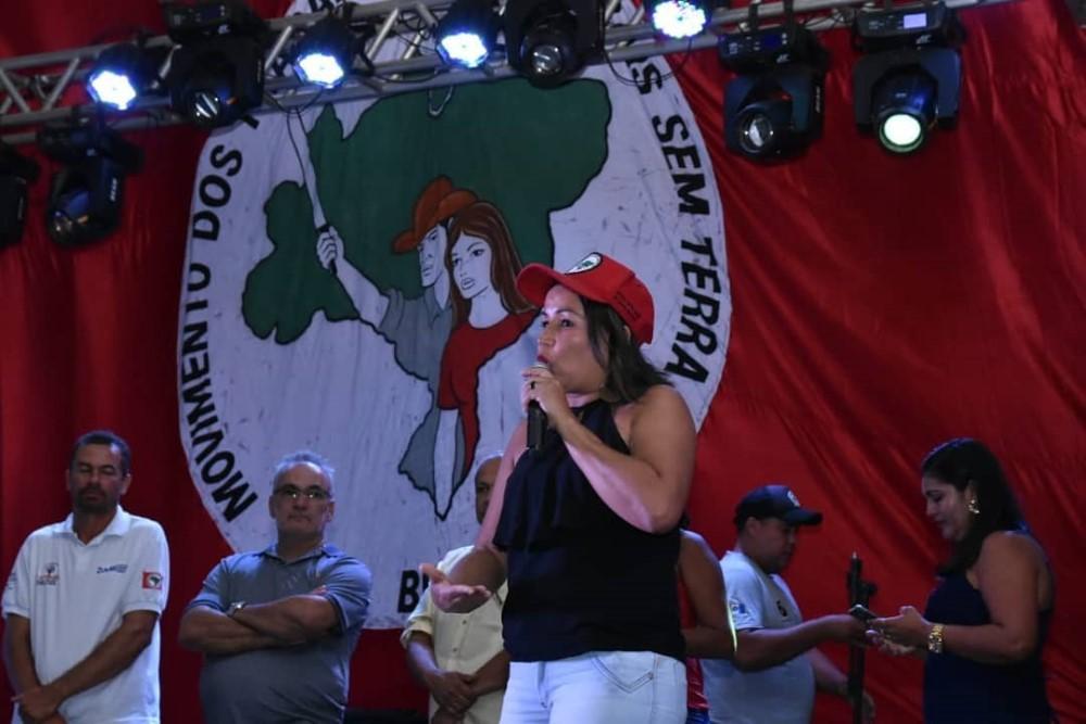 Prefeito Chico Vigário prestigia a 1ª Feira da Reforma Agrária em Atalaia