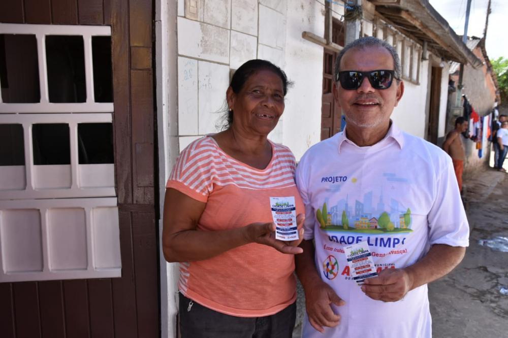 Prefeito Chico Vigário participou do inicio da campanha Cidade Limpa.