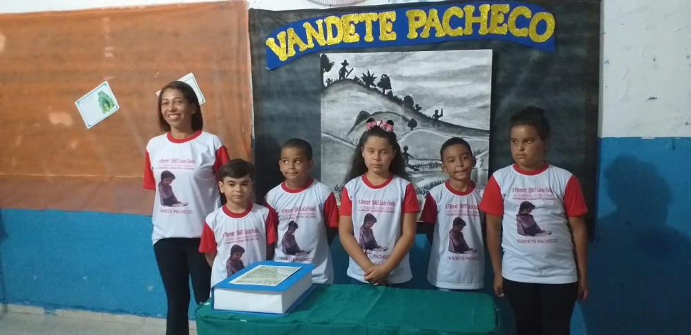 II Feira Literária da Escola Municipal Lúcio Fidelis homenageia escritores atalaienses