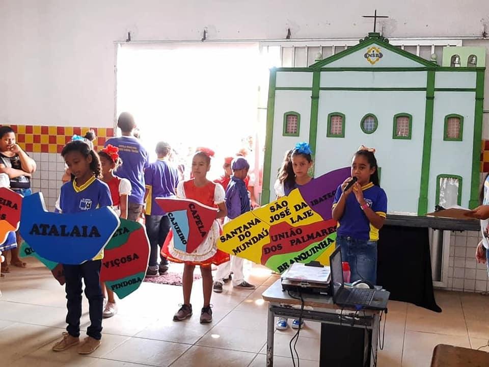 Linda apresentação dos alunos da Escola Municipal Cícero Cabral Toledo. Foto: Semed Atalaia.