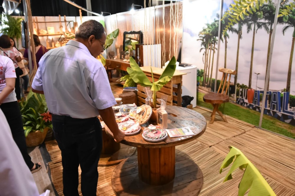 Estande do município de Atalaia é destaque na abertura da Expo Cidades e Gestores