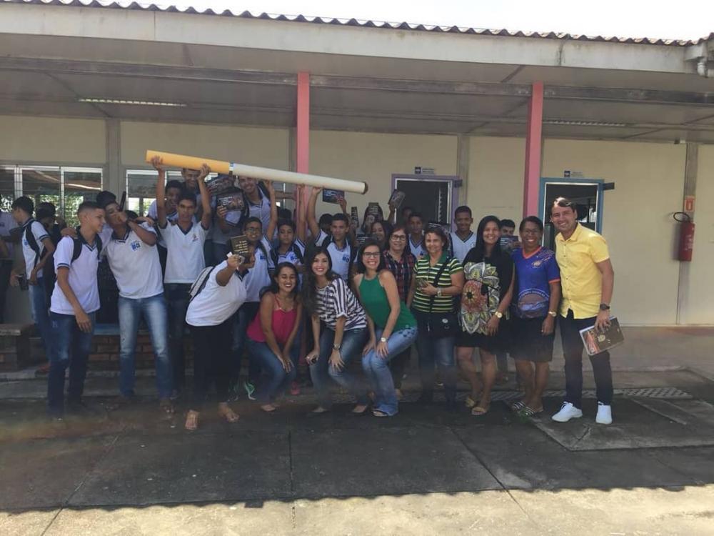 Alunos da Escola Antônio Vieira participam de palestra educativa sobre os riscos do tabagismo