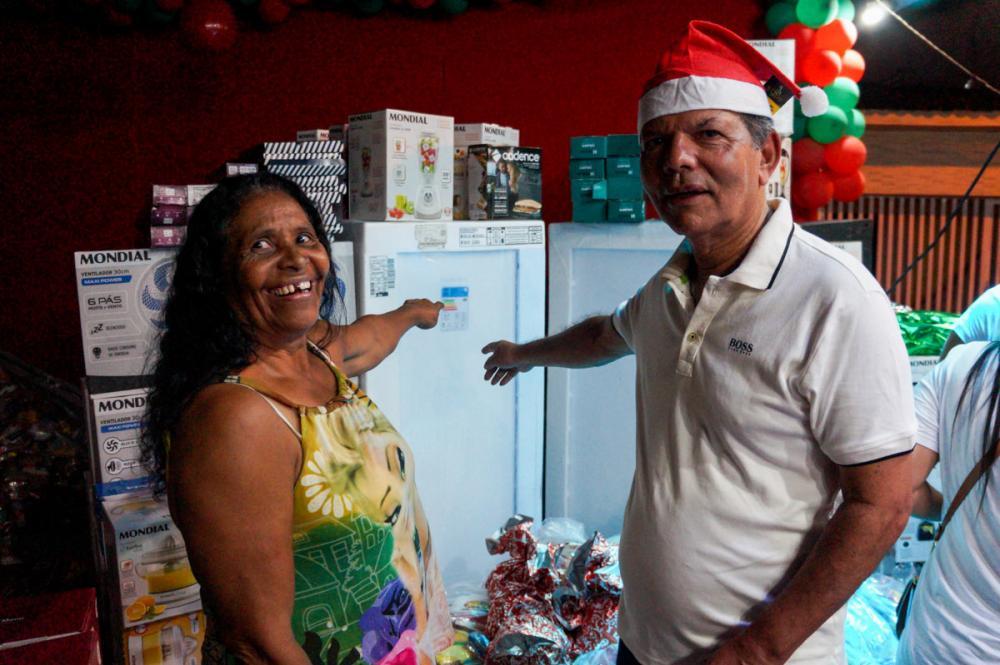 Geladeira foi um dos itens sorteados no Natal do Povo Para o Povo.