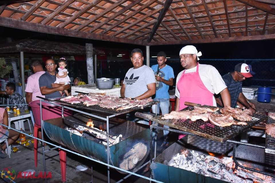 Prefeitura de Atalaia promove festa de confraternização para os funcionários do município