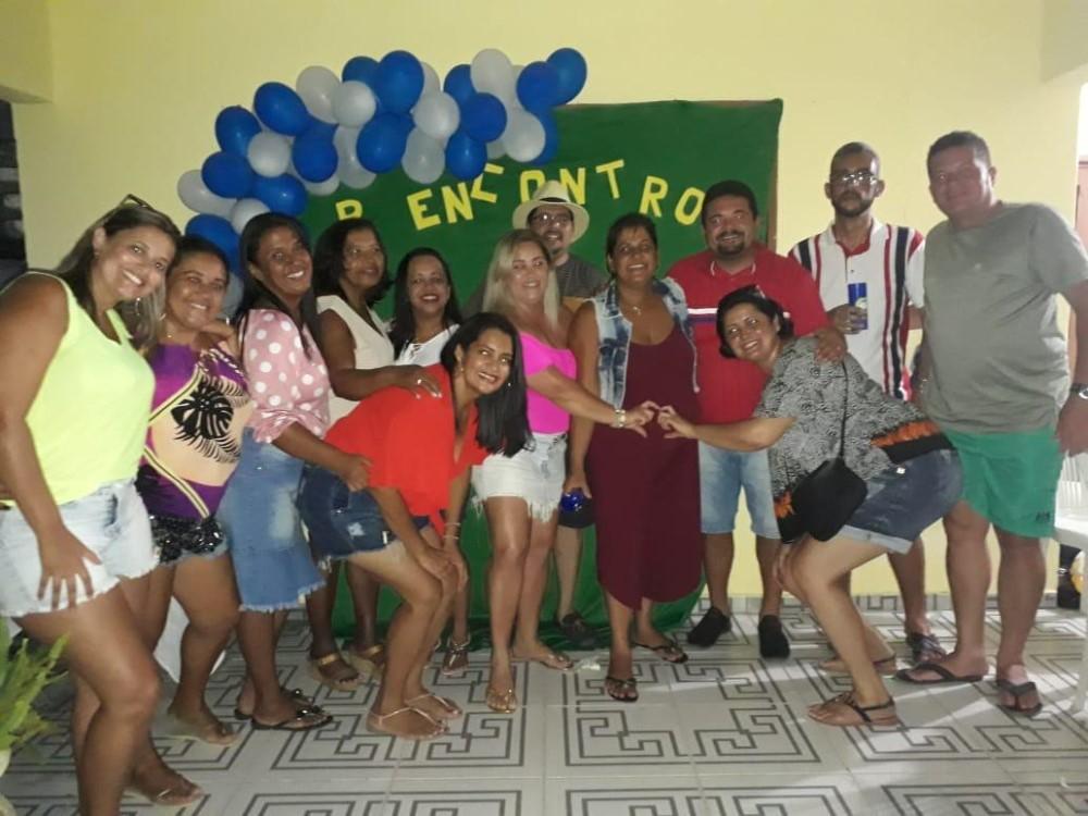 Ex-alunos do antigo Colégio Cenecista realizam reencontro marcado pela alegria e emoção