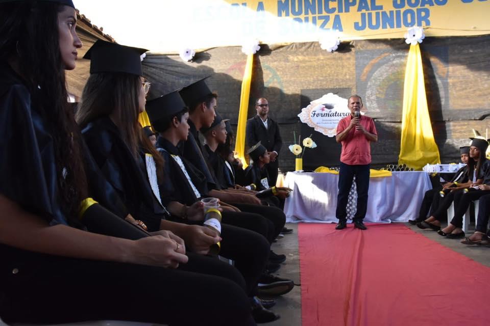 Formatura de alunos da Escola Municipal João Cordeiro, do Distrito Ouricuri.
