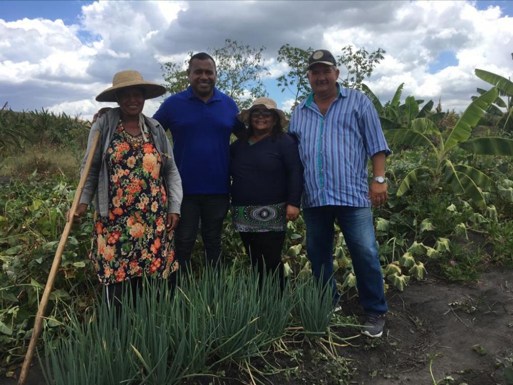 Secretaria de Agricultura de Atalaia realiza visita técnica a agricultores do município