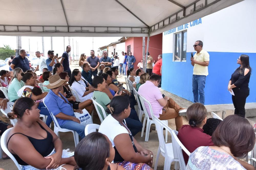 Prefeito Chico Vigário discursa em inauguração da Unidade de Apoio da Saúde no Residencial Maria de Nazaré.
