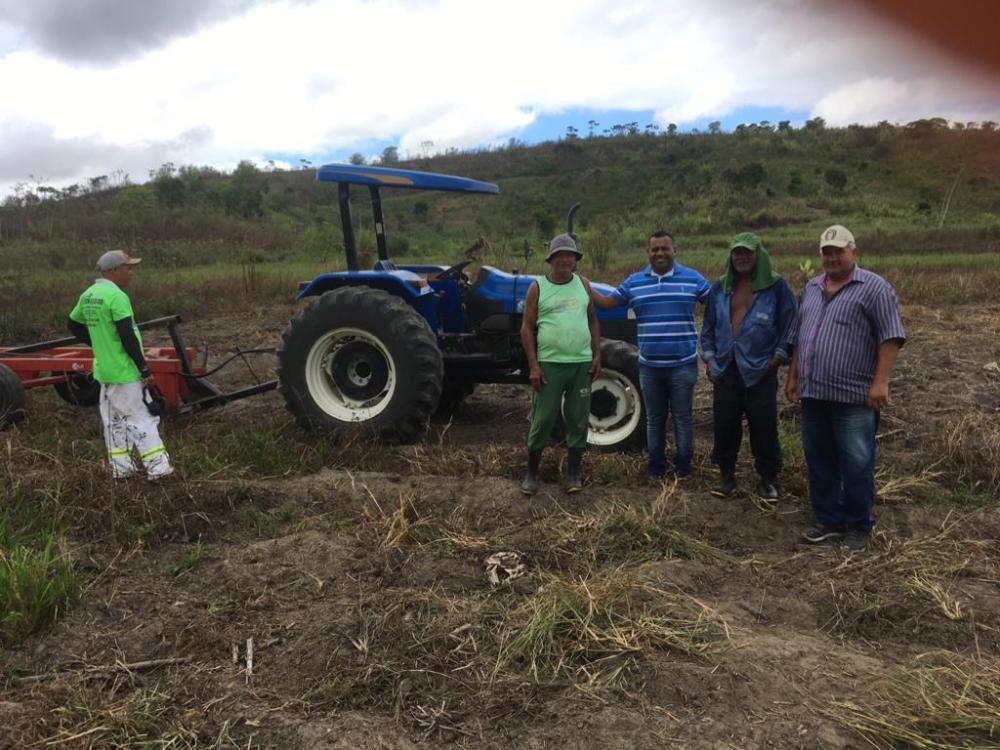Parceria entre Secretarias de Agricultura e Infraestrutura leva melhoria à agricultura familiar