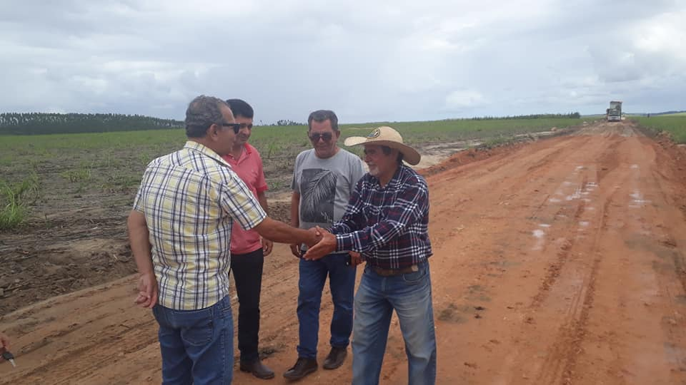 Prefeitura intensifica recuperação de estradas vicinais em Atalaia