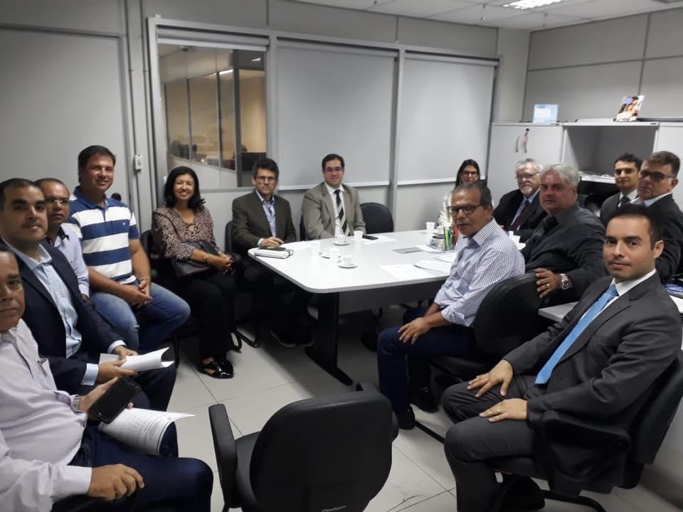 Prefeito Chico Vigário assina TAC para criação de casa de acolhimento