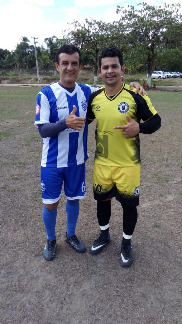 Amistoso de futebol reúne ex-atletas profissionais no Distrito Ouricuri