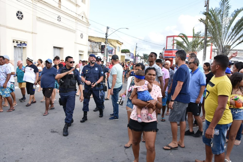 Bloco Azul & Preto é destaque no terceiro dia do Carnaval de Atalaia