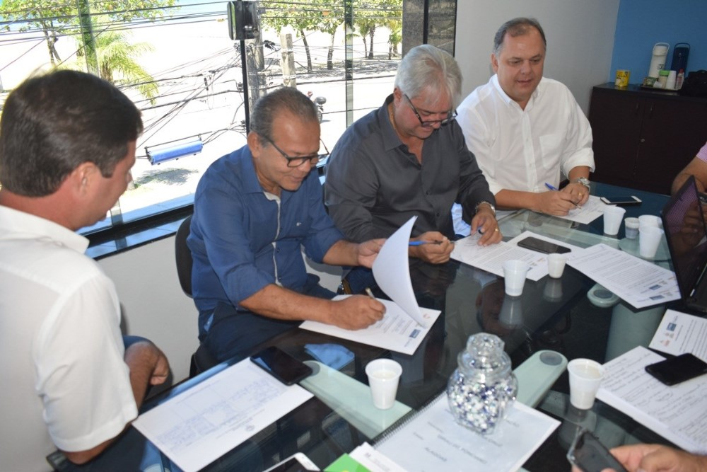 Reunião no Iteral discute auxílio do órgão na revisão dos limites territoriais em cidades da Zona da Mata